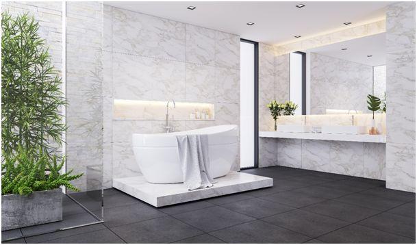 Marmurowa łazienka – podłogi, blaty i dodatki